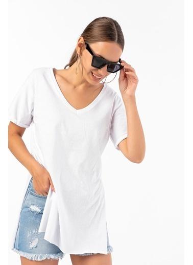 Emjey Tişört Beyaz